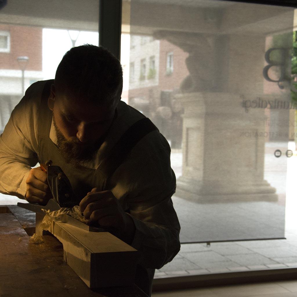 Urtzi Balantzategi laboratorio de lutheria